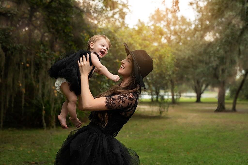 mother, daughter, black dresses